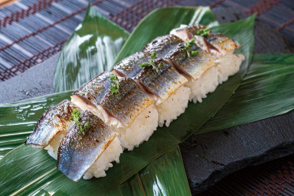 サンマの炙り寿司